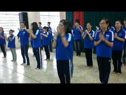 Dân vũ DOREMON and WAKA WAKA 11B1 THPTTC
