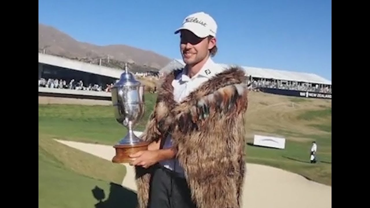Weaver says NZ Golf's 'korowai' is just a 'piece of faux fur