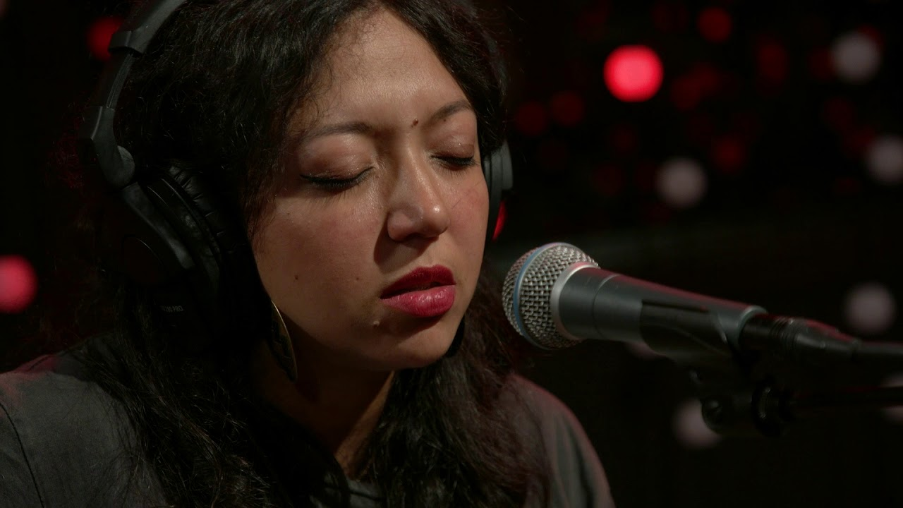 Shana Cleveland - Don't Let Me Sleep (Live on KEXP)