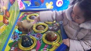 리틀조이 두더지잡기 실력은? 휴게소에서 두더지잡기 게임 한판!!장난감놀이 Toy 콩순이율동 뽀로로 키즈카페 자동차송