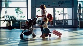 Чем развлечь ребенка в самолете? 10 часовой перелет без плача и нервов(Чем развлечь ребенка в самолете? Особенно, если перелет дальний? Мы провели в воздухе более 50 часов и знаем,..., 2017-02-19T12:18:43.000Z)