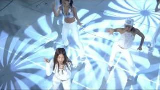 Mais uma performance da cantora coreana BoA.