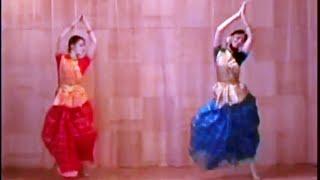 Hare Krishna Bhajan, Indian dance group MAYURI, Petrozavodsk, Russia