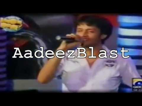 Atif Aslam - Aadat Live At 'The Applause'