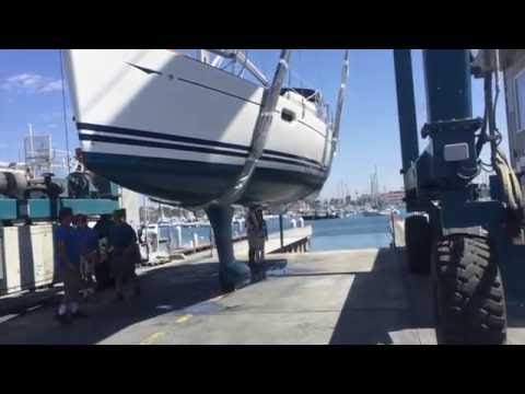 Jeanneau 39i Video Haul out for survey & Hull design By: Ian Van Tuyl