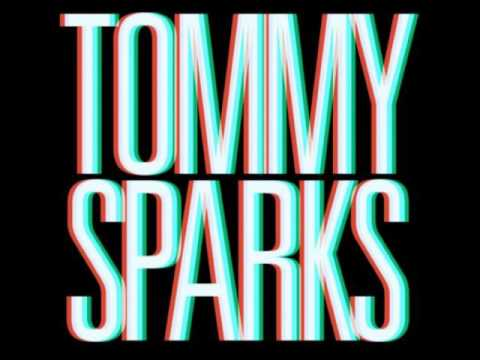 Клип Tommy Sparks - shes got me dancing