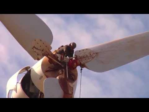 Cleaning Wind Turbine Blades