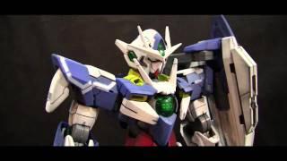 Bandai 1/100 Scale Master Grade Gundam 00 Qan[T]