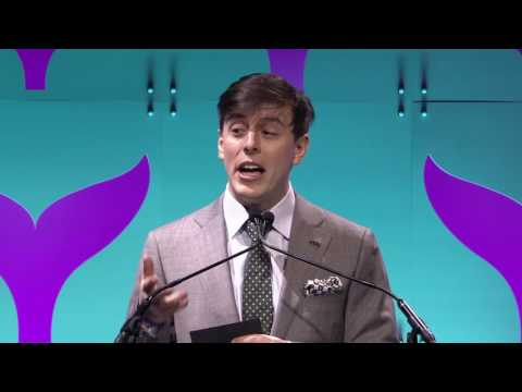 Thomas Sanders Introduces the Best Use of Facebook Video Award