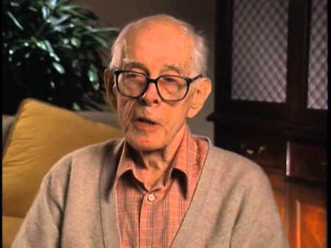 Harry Morgan discusses the MASH Finale - EMMYTVLEGENDS