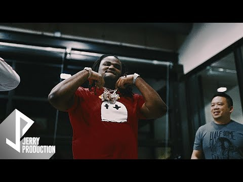 Tee Grizzley Gets New Chain Delivered To The Studio From Golden Sun Jewelry (Shot by @JerryPHD)