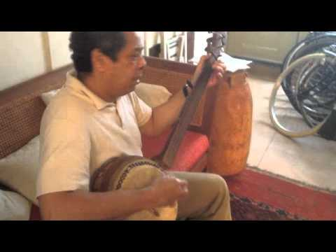 Robby Faverey sings and plays Perun ( Perun me patron). Video by Ronald Snijders