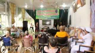 Dưỡng Lão Bình Mỹ : Bài hát về mẹ của nghệ sĩ Đàm Thu Thủy trong chương trình giao lưu với trung tâm