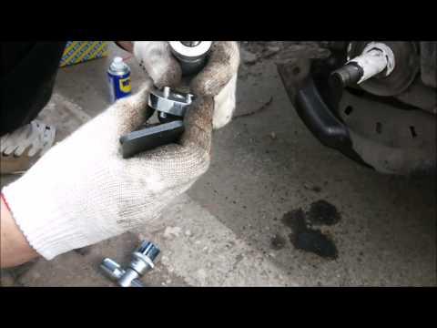 Замена заднего тормозного диска Renault Fluence Руки из плеч 2 by MMikhailovski