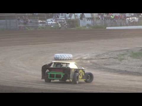 B Mods Heat Race at Mount Pleasant Speedway 08-19-16.