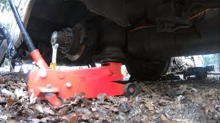88 Chevy P30 RV Rear Airbag Removal | Jet co. Air Ride Suspension Repair (Pt.1)