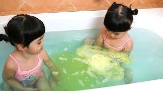 หนูยิ้มหนูแย้ม   เล่น Bath Ball   bath bomb ซื้อจากไดโซะ