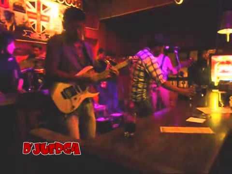 London Town Lounge Bar - London Town Cusco