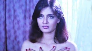 Ashwini Bhave makes painting of Deepshikha | Teri Mohabbat Ke Naam Hindi Movie | Bollywood Scene