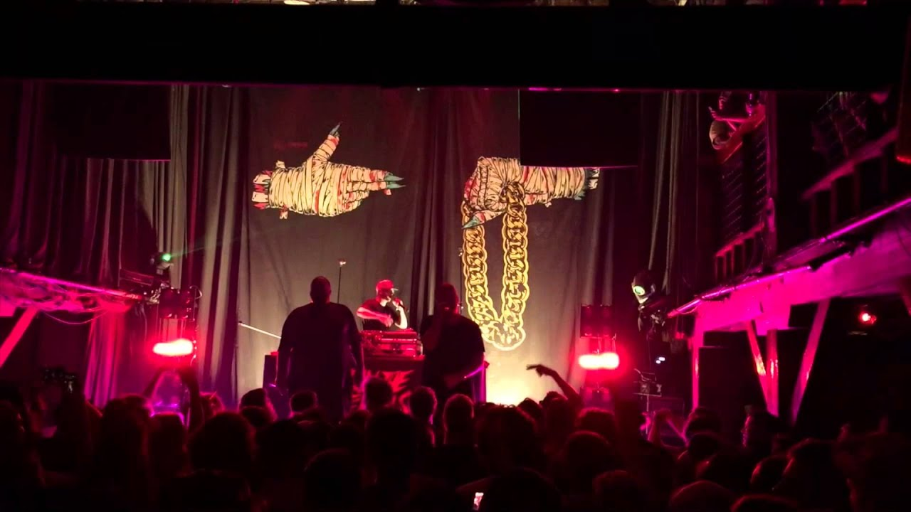 Run The Jewels - A Christmas F*cking Miracle (Live 10/3/15) - YouTube