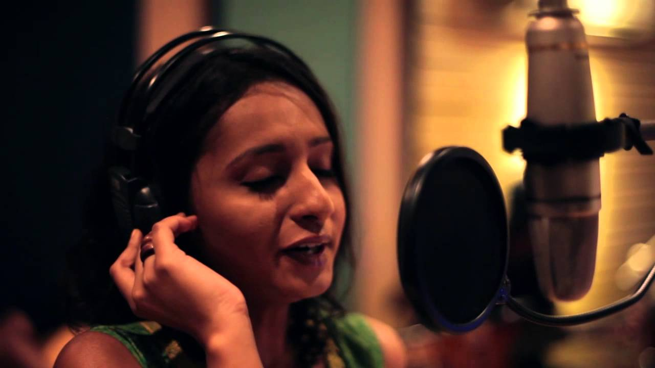 Naan Sirithal Vinaita Sivakumar Music Video Cover