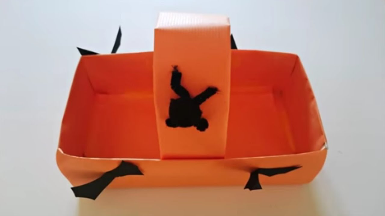 bricolage halloween comment faire un panier pour bonbons youtube. Black Bedroom Furniture Sets. Home Design Ideas