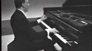 Michelangeli plays Debussy Images 2/1 - Cloches à travers les feuilles