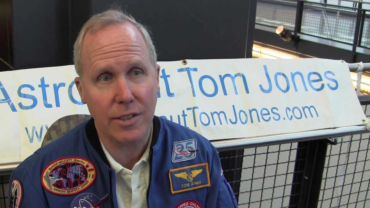 Astronaut Tom Jones talks about STS-80 UFO