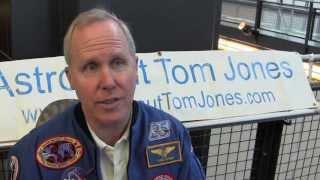 Astronaut Tom Jones talks about STS-80 UFO