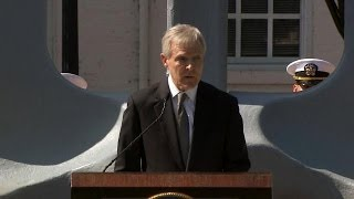 SECNAV Honors Heroes at Washington Navy Yard Remembrance Ceremony