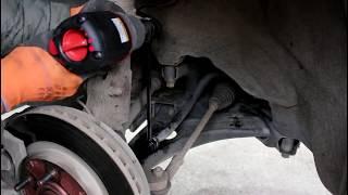 Замена стоек переднего стабилизатора на Mitsubishi ASX Мицубиси АСХ 1,8 2013 года