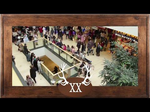 """voXXclub - """"Rock mi"""" Flashmob in den Riem Arcaden in München"""