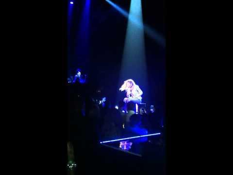 Beyonce singing Resentment