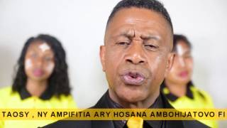 Mifohaza - Tanora Masina Itaosy (feat Ampifitia et Hosana Ambohijatovo Fitiavana)