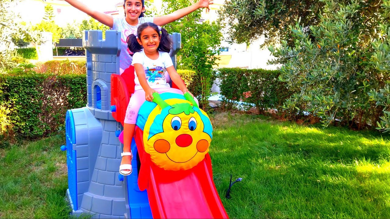 Esma and Asya Pretend play Slides toy caterpillar for kids video