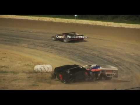 Ocala Speedway l Modified wreck 2008