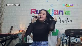 Download Orang Biasa - Erika Syaulina (cover) Streaming DANGKAL Eps. 09