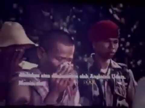 FILM  G 30 S PKI - PENGGALIAN DI LUBANG...
