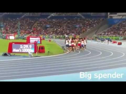 Mo Farah wins 10,000m gold in Rio 2016