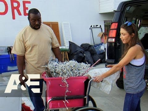 Storage Wars: Ivy is Mary's New BFF (Season 7, Episode 9) | A&E