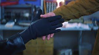【穷电影】男子拥有某种超能力,在和好友握手时,发现了一个可怕的秘密