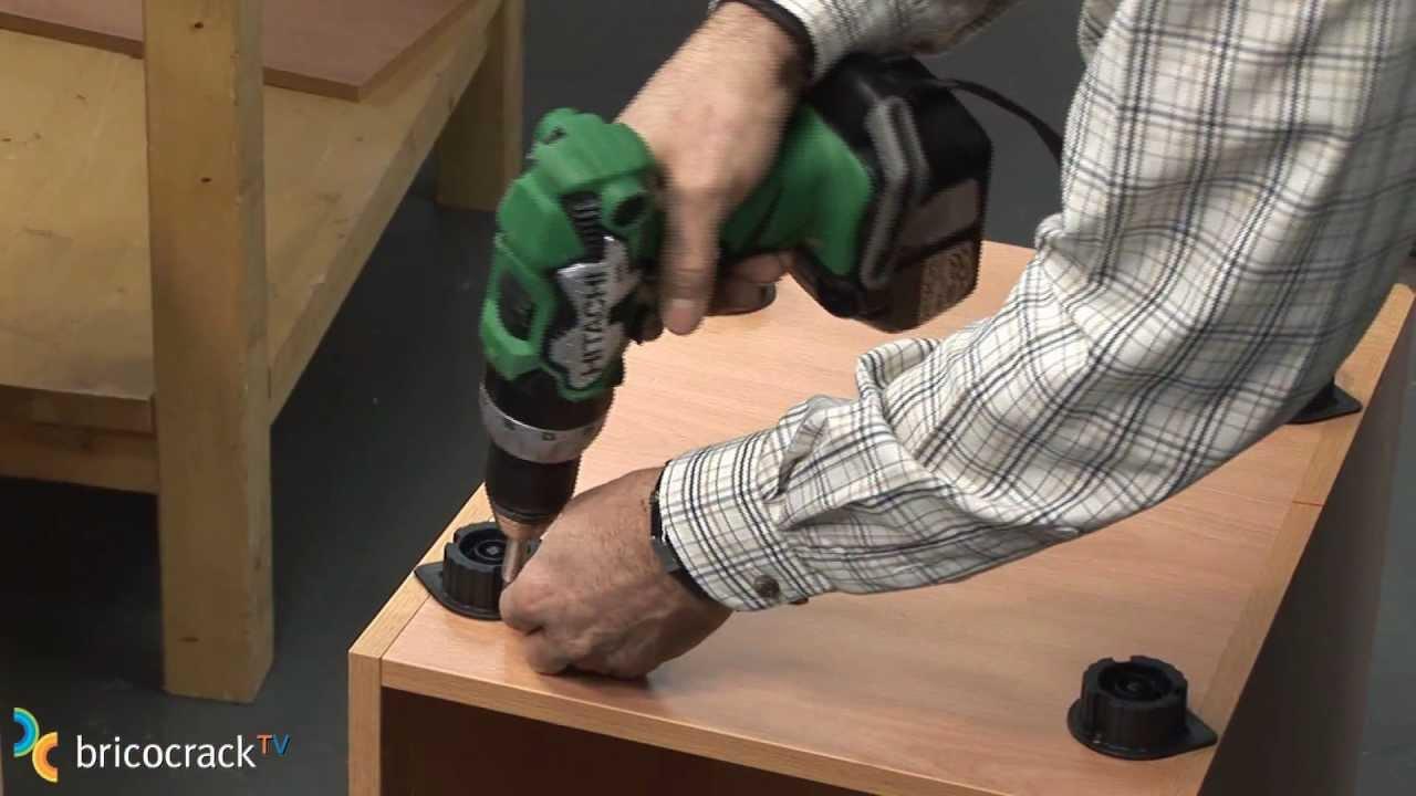 Montar muebles de cocina (Bricocrack) - YouTube
