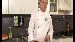 Крабовый салат - видеорецепт