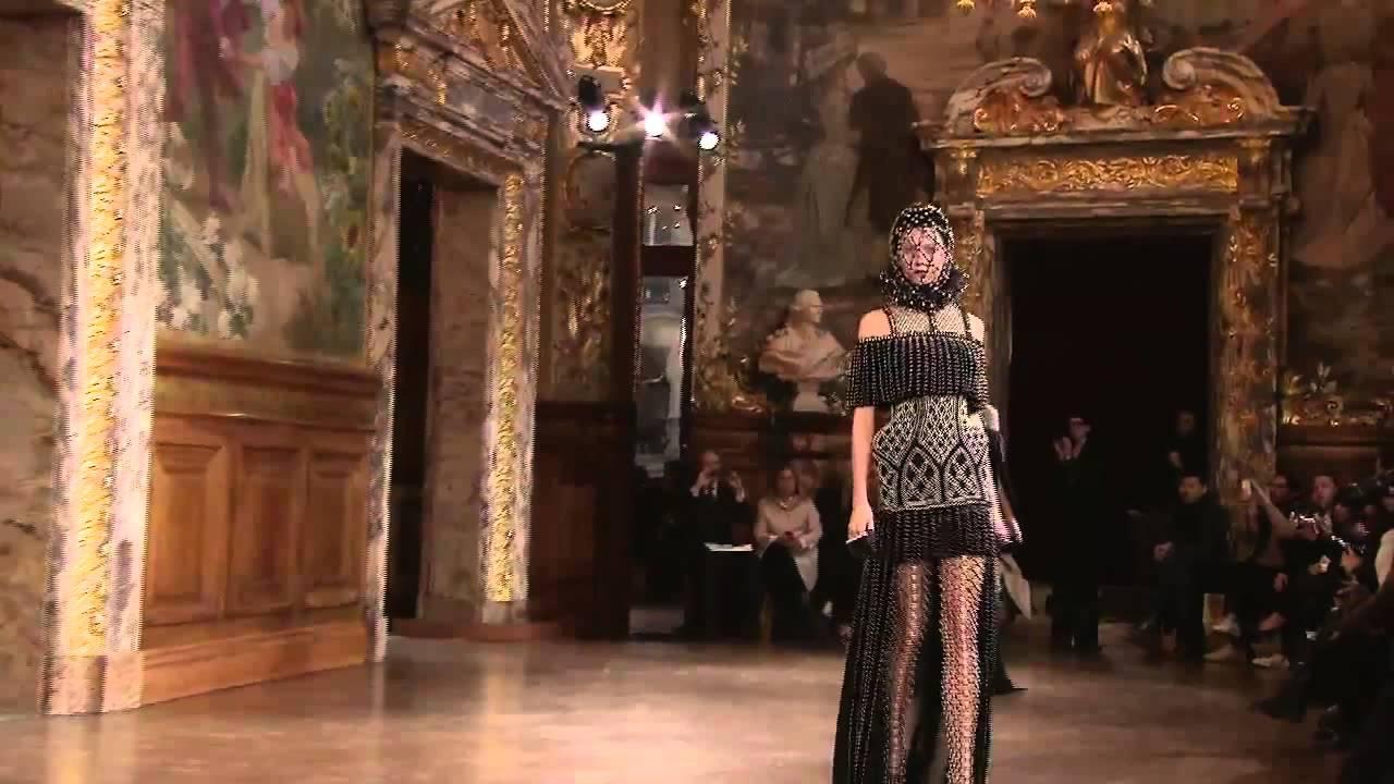 Alexander Mcqueen Fashion Show Youtube