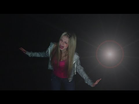 Flashlight - Jessie J - Pitch Perfect 2 -  Cover - Madi Lee