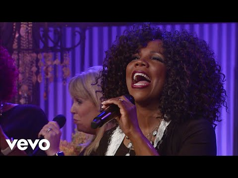 Lynda Randle - One Day At A Time (Live)