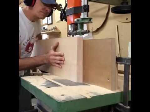 Resawing Veneer At The Bandsaw