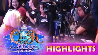 It's Showtime Miss Q & A: Vice Ganda catches the cameraman sleeping