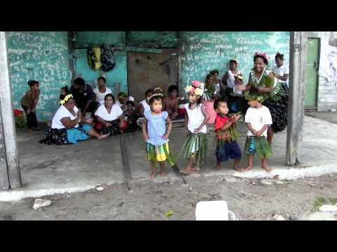 Fanning Island children dancing