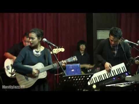 Indra Lesmana ft. Eva Celia - Laskar Pelangi @ Mostly Jazz 31/01/14 [HD]